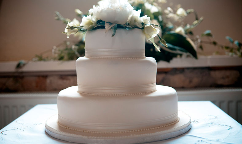 castle-hill-wedding-cake.jpg